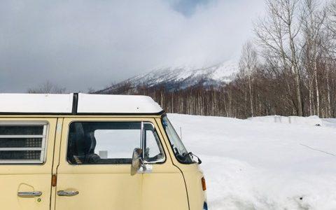 【2021版】冬の車中泊におすすめの暖房グッズや防寒方法を徹底解説!